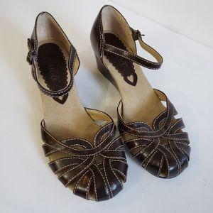 Mudd Brown Vegan Leather Strappy Sandals 90s Y2K